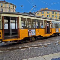 Milano, Piazzale Stazione Genova. Un vecchio tram del 1924 in partenza dal capolinea, Милан