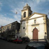 Ehemaliges Kinderheim San Gaetano mit Kirche in Paterno, Патерно