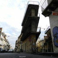 Casa a tre piani..., Патерно