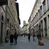 Arezzo - looking up Corso Italia, Ареццо