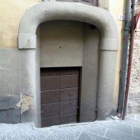 Architrave ... sbruffoncella (superdotata?), Ареццо