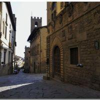 Arezzo - Via dei Pileati Palazzo  Pretorio sede  della bibblioteca Sezione Ragazzi -, Ареццо