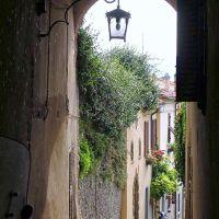 """Arezzo - """"Vicolo Appuntellato"""" - Quartiere di Colcitrone, Ареццо"""