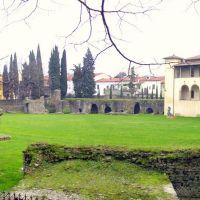 Arezzo - Anfiteatro Romano II Sec. d.C. e Museo Archeologico -, Ареццо