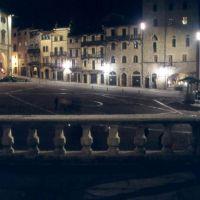 Arezzo - la piazza, Ареццо