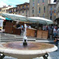Arezzo, piazza Grande I, Ареццо