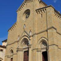 Arezzo: la facciata del Duomo (19-08-2010), Ареццо