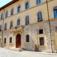 POGGIBONSI (SI), piazza Cavour - il Municipio, Лючча