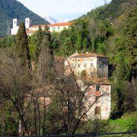 Massa, vista su Villa Massoni e Ns Signora delle Grazie, Масса