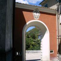 Borgo del Ponte: La Porta, Масса