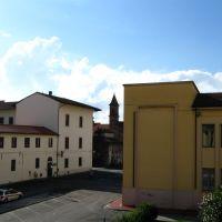 Prato - via S. Caterina e il campanile di S. Niccolò, Прато