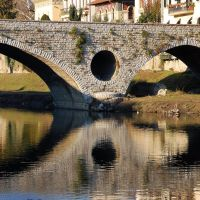 PRATO (PO), Ponte Mercatale, fiume Bisenzio - Reflections under the bridge, Прато