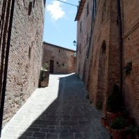 small street of Torrita di Siena, Сьена