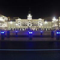 Piazza Unità di notte, Триест