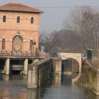 """Casa di Manovra del Sostegno """"Battiferro"""", Canale Navile, Болонья"""