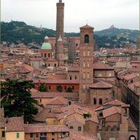 S.Giacomo Maggiore e le Due Torri, Болонья