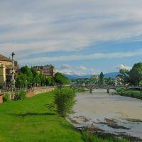Parma vista da Ponte Europa, sullo sfondo gli appennini innevati., Парма