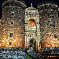 Neapol, Castel Nuovo, Неаполь