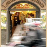 da Lombardi a S.Chiara, la pizza migliore del mondo : ma fermatevi , ne vale la pena !, Неаполь