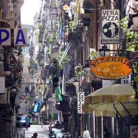 Quartieri spagnoli, Неаполь
