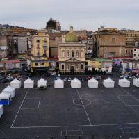 Napoli,  Piazza Mercato è un campo di calcio, Неаполь
