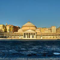 Piazza del Plebiscito ore 7,00, Неаполь