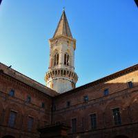 ...Basilica di San Pietro.. Chiostro maggiore (sec. XVI) **contest august 2010**, Перуджа