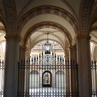 Piacenza in poche mosse: cortile di Palazzo Anguissola da Grazzano, Пьяченца