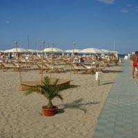 la spiaggia del Grand Hotel, Римини