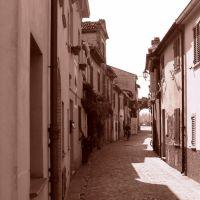 Rimini: Via Marecchia (Borgo San Giuliano), Римини
