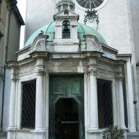 Rimini - Piazza Tre Martiri -  Tempietto di S. Antonio opera del Bramante, Римини