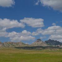 Горы Айыртау в окрестностях Монастырского озера (Айыр) (июнь 2013г.), Алексеевка