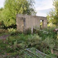 Остатки школы№2 (часть стены гаража), Курчум