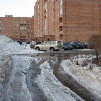 В районе пр. Сатпаева, 20 весной 2010 года, Самарское