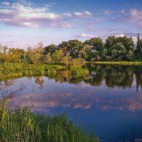 Вечер - розовые облака на протоке Иртыша, Усть-Каменогорск