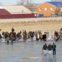 Крещенские купания 2010 года у центрального моста, Атырау(Гурьев)