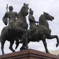 Памятник на Центральной площади, Атырау(Гурьев)