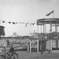 Пляжные сооружения на пляже Жилгородка в 1953 г., Атырау(Гурьев)