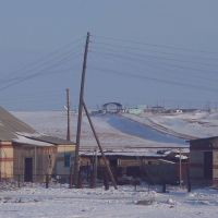 Дорога в гору идёт к Казахской таможне, уже по Казахстану. А дома на переднем плане, пока ещё РОССИЯ, Георгиевка