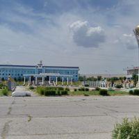 Районная администрация. Аллея Героев. Макет Байтерека., Каратау