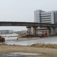 Мост строится, Ойтал