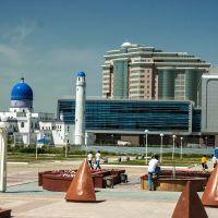 Mosque and Renaissance Hotel, Atyrau, Kazakhstan, Ойтал