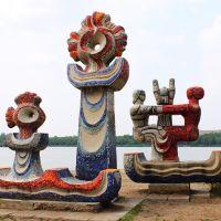 Скульптуры на пляже, Караганда