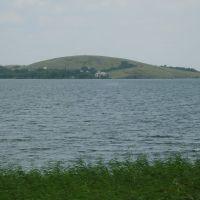 Озеро. Вид на пионерский лагерь, Темиртау