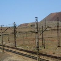 Zhezkazgan mine. Hillocks and industrial railroad., Кокчетав