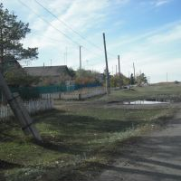 Дорога на Калиновку. (правее дороги кладбище), Семиозерное