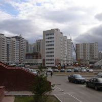 Во дворе на проспекте Мамыш-улы / Astana - a city of new buildings, Таскескен