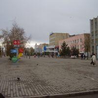 Glavnaya ploshyad Kustanaya osenyu 2006-ogo, Амангельды