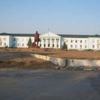 Акимат г.Курчатова (в былые времена штаб в/ч 52605) фото осени 2008 г., Курчатов
