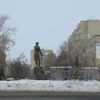 Уральск, Памятник Молдагуловой, Уральск